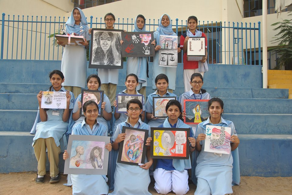 Pakistan - best Team pic with Paintings.jpg