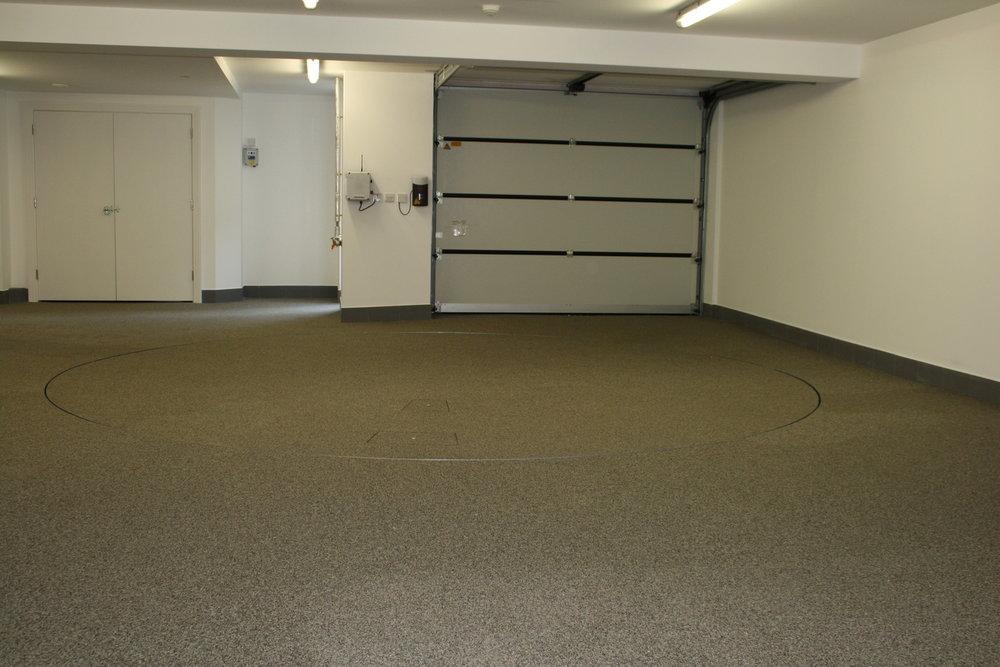 garage-turntables-.jpg