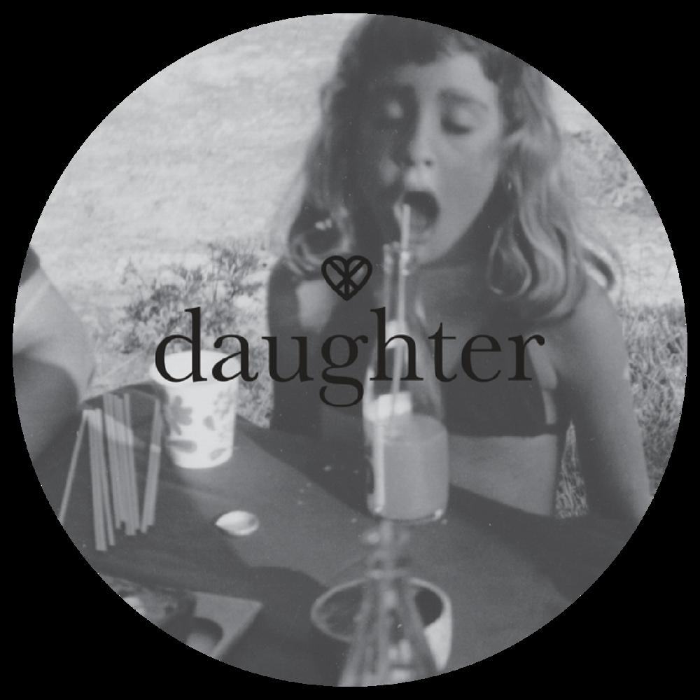 Daughter.Spesialisert seg påmarkeds-kommunikasjon rettet mot kvinner. Dyptgående visuelt og konseptuelt arbeid innen Art Direction.