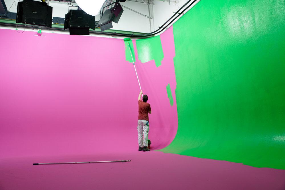 Die Reste der Pinken Wand vom RTL 2 Dreh mit Daniela Katzenberger