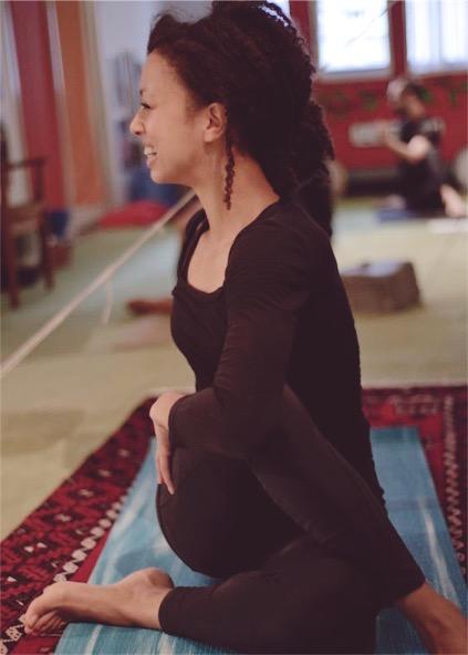 Dionne Elizabeth Yoga photo by Margit Selsjord