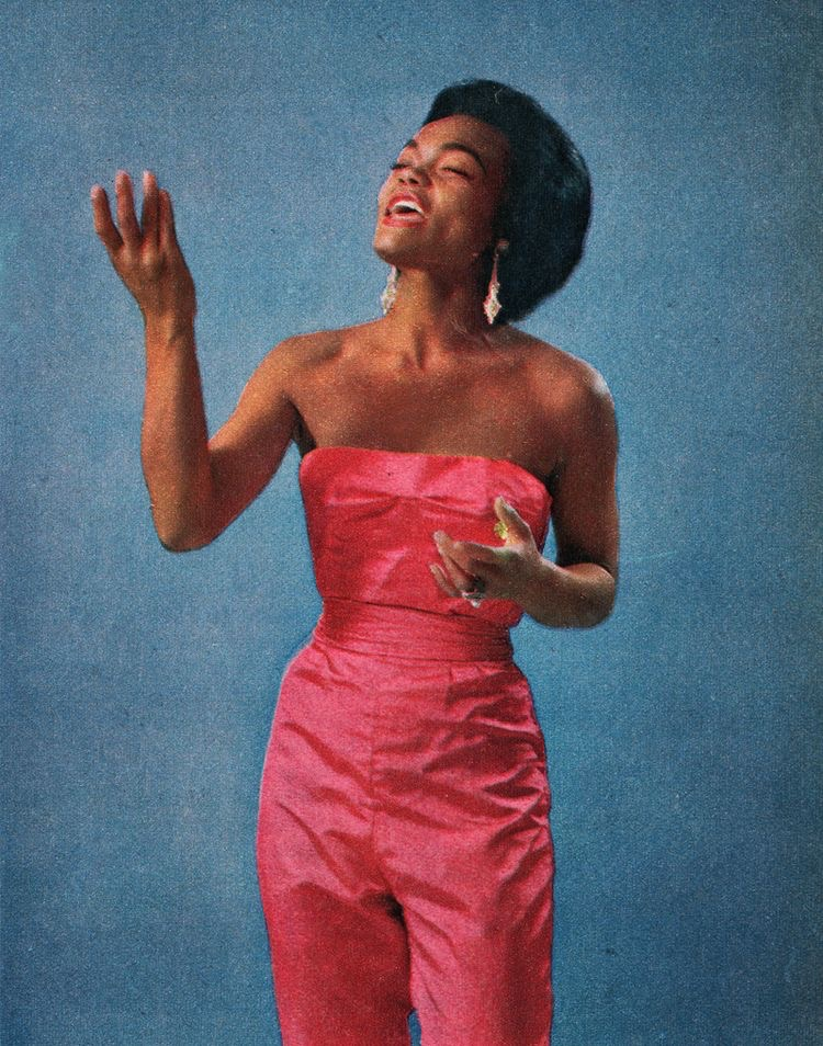 Eartha taking up space.jpg