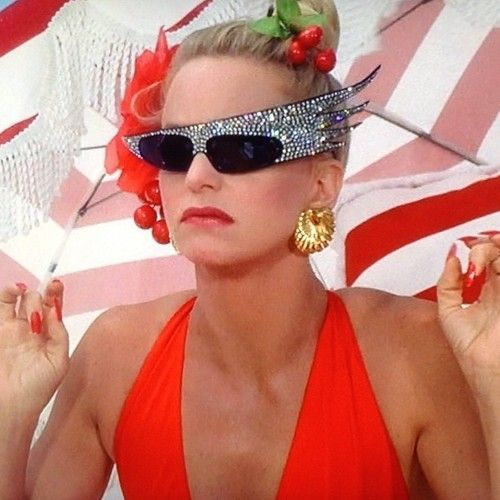 Glamour all the time Goldie Hawn in Overboard (1987)