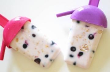 Breakfast-yogurt-ice-lollies.jpg