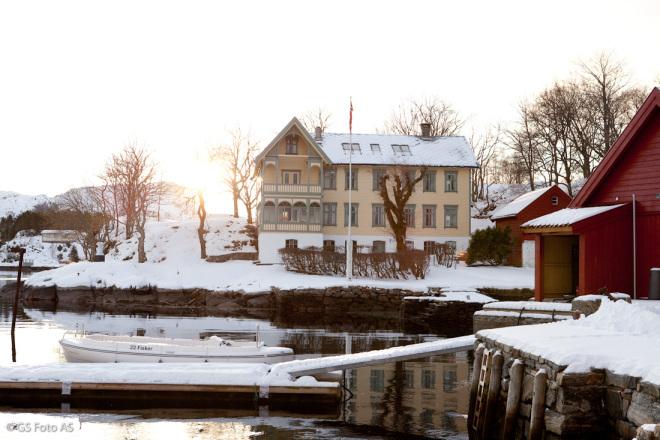 Skjerjehamn.