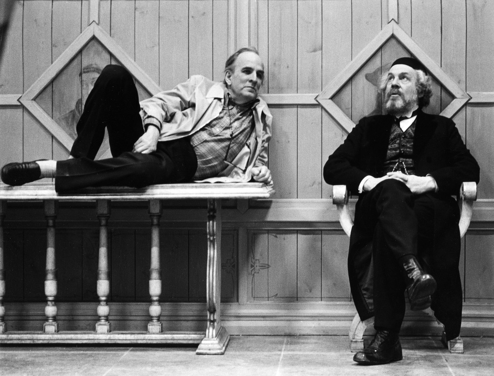 Bergman and Josephson on the set of Fanny and Alexander.