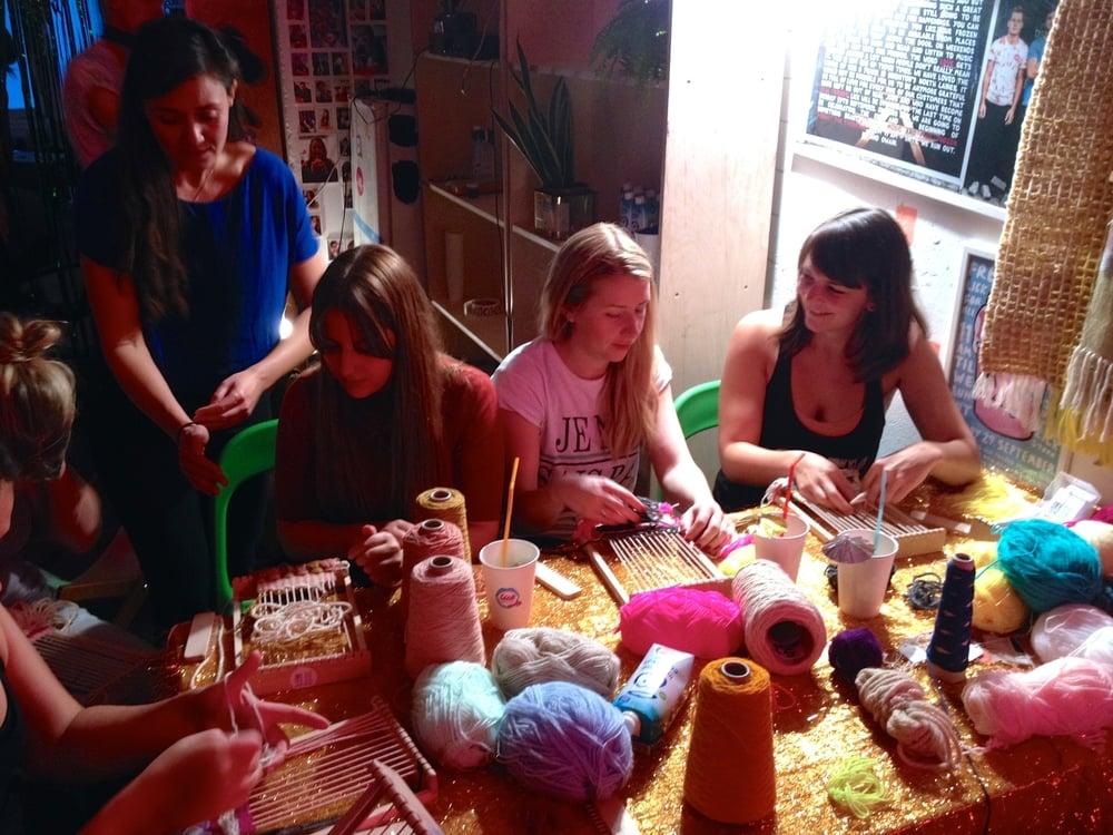 Amy Ilicran a weaving workshop!