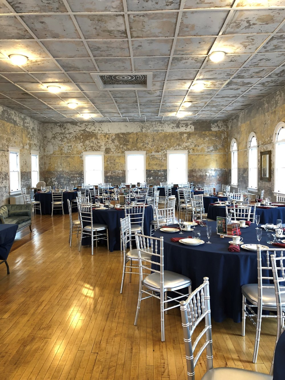 01.27.2018 Veety McGuire Wdg The Hall at Castle Inn Final Tablescape 2.jpg