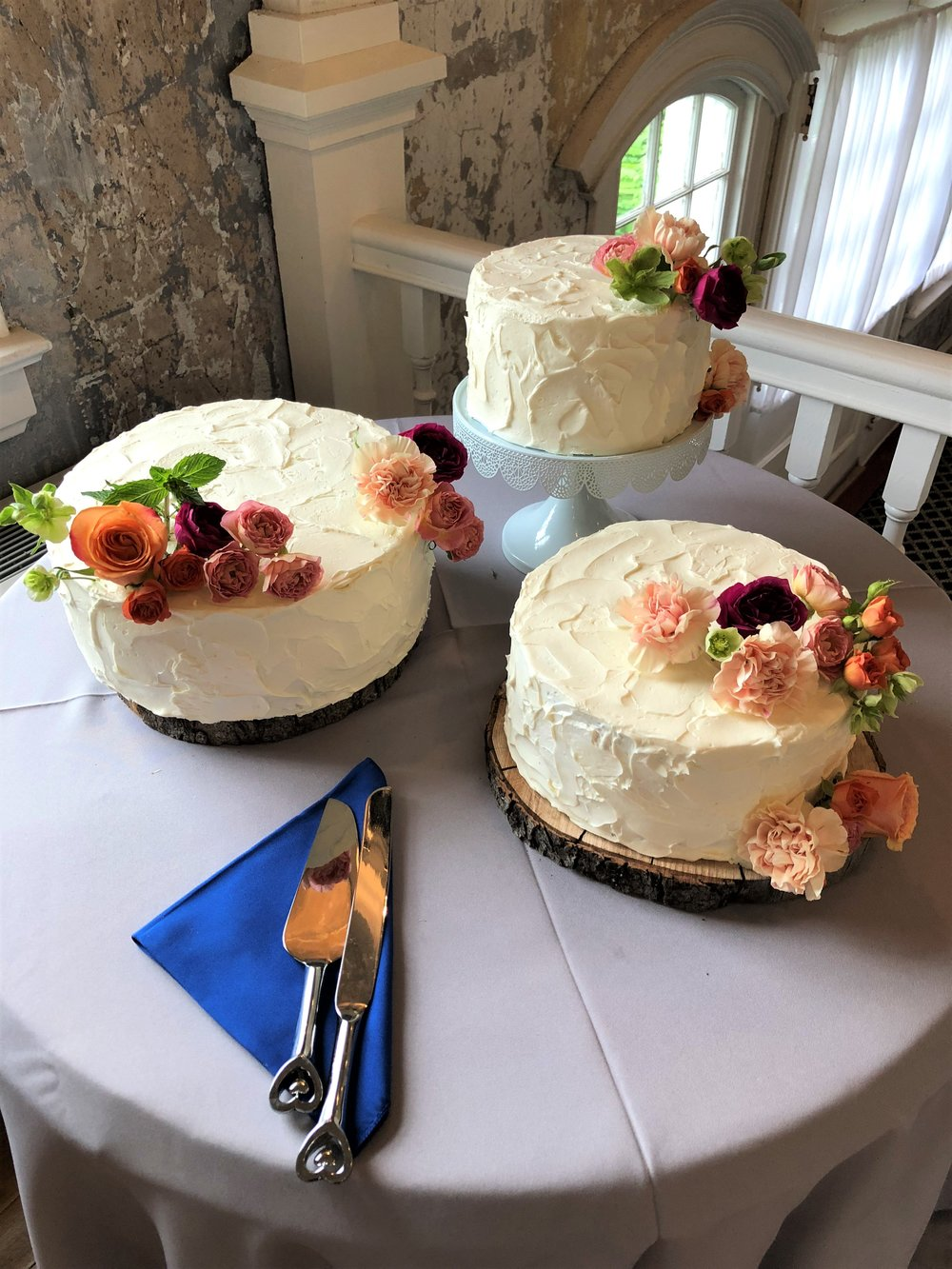 06.10.2018 The Hall at Castle Inn DWG O'Rourke Johnson Wedding Cake Table 3.JPG
