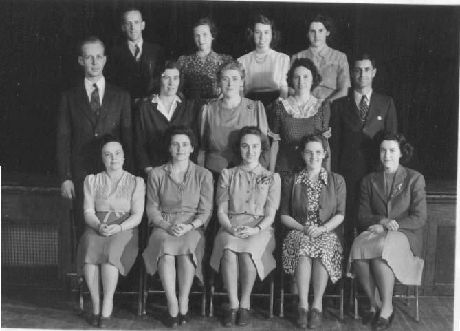1942-43 Teachers.jpg