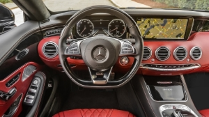 2015-Mercedes-Benz-S550-Coupe-Interior-Fitur.jpg