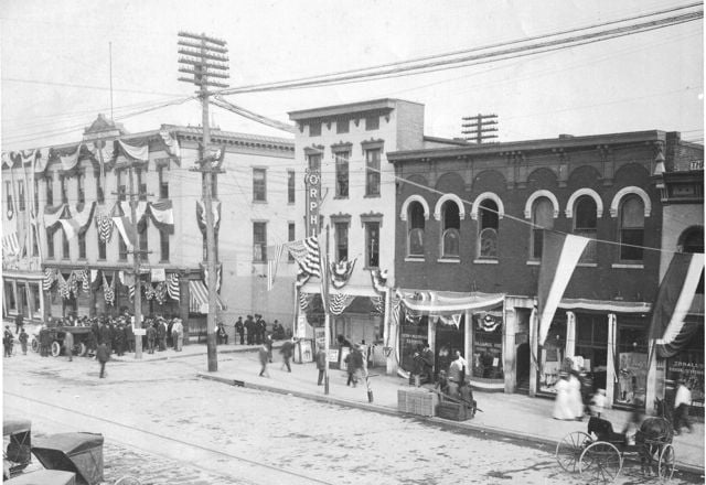 Main & Whiteman 1908.jpg