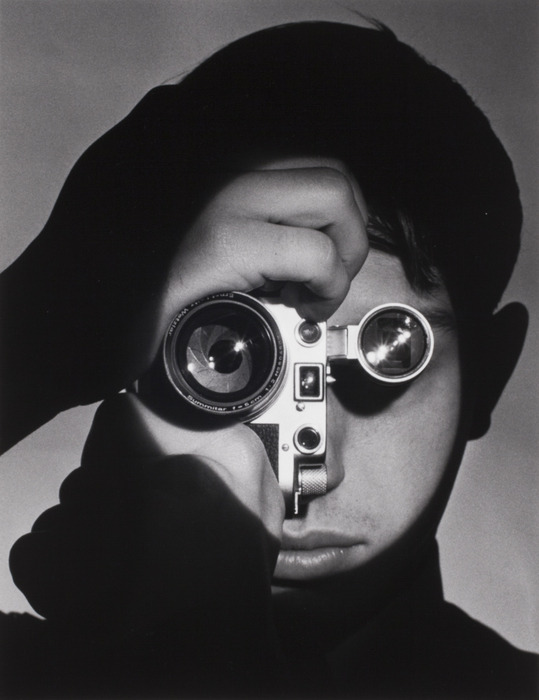icphoto :   Spotlight on The Photojournalist The man behind Andreas Feininger's iconic image is Dennis Stock.  https://bit.ly/2tyn00o  📷 Andreas Feininger, 1951  #ICPCollections