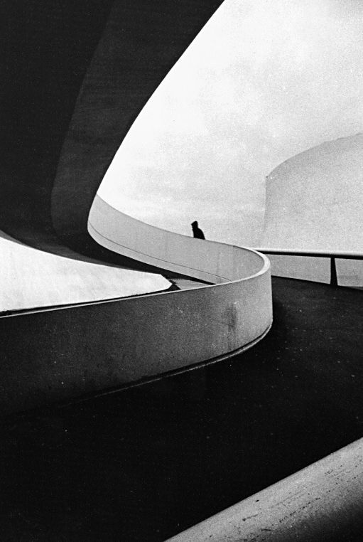 lartichaut :     Oscar Niemeyer