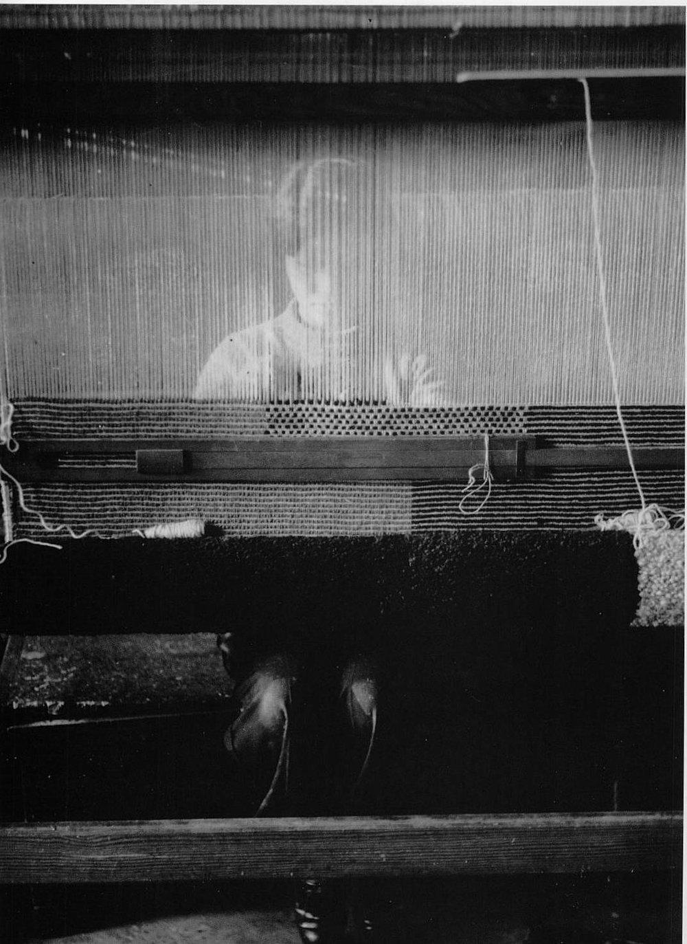 oysteros :     Bauhaus -  Tejedora Tras La Urdimbre
