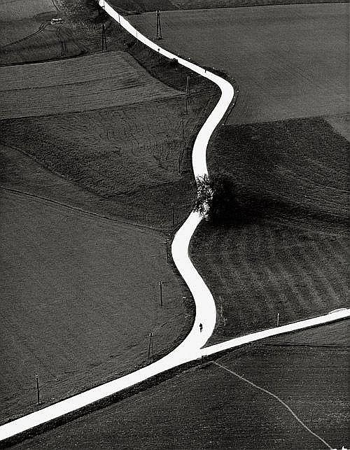 yama-bato :     Schneiders, Toni: Landweg in Kärnten         19th - 21st Century Photography    Platinum House    by Galerie Basseng