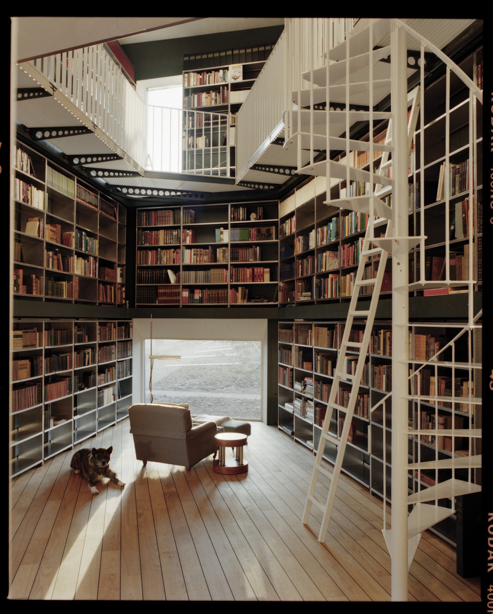 creativehouses :     Private library in a house in Zurich