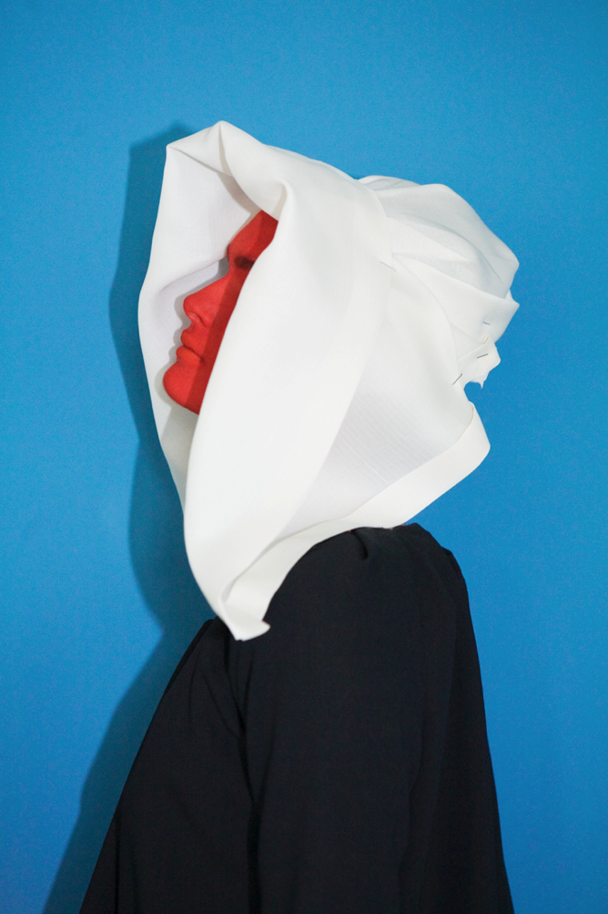 nowness :     VIVIANE SASSEN: IN & OUT OF FASHION    Read More