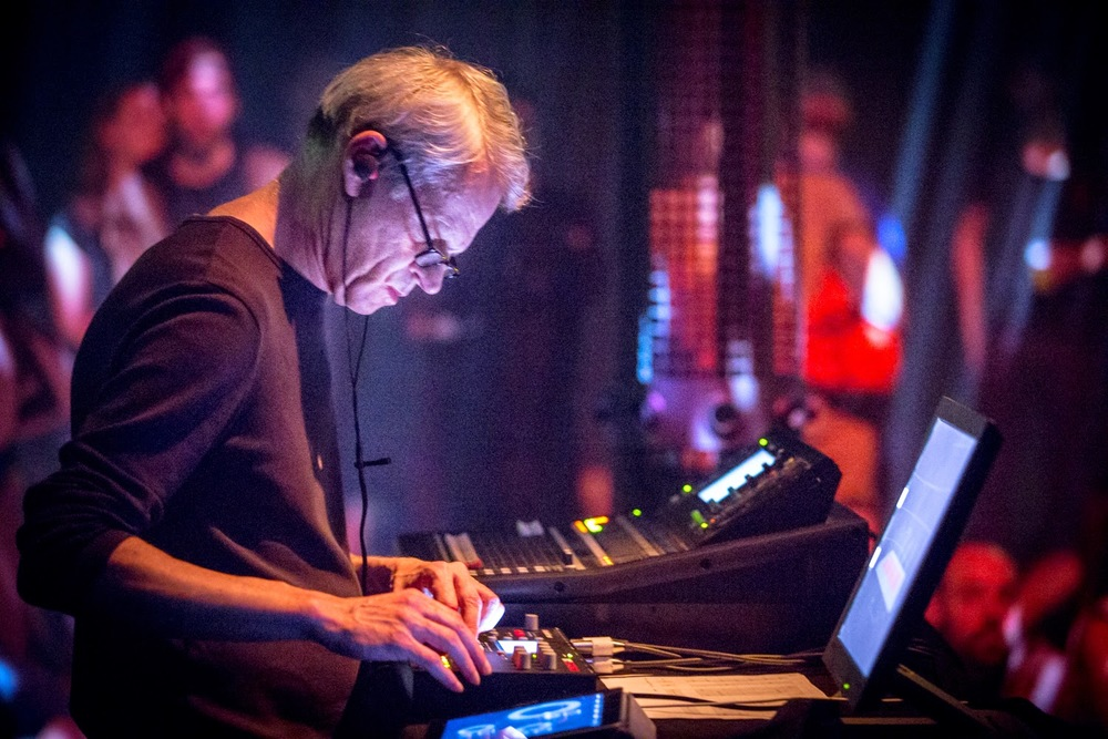 Frank Bretschneider performing in 4DSOUND at ADE 2014