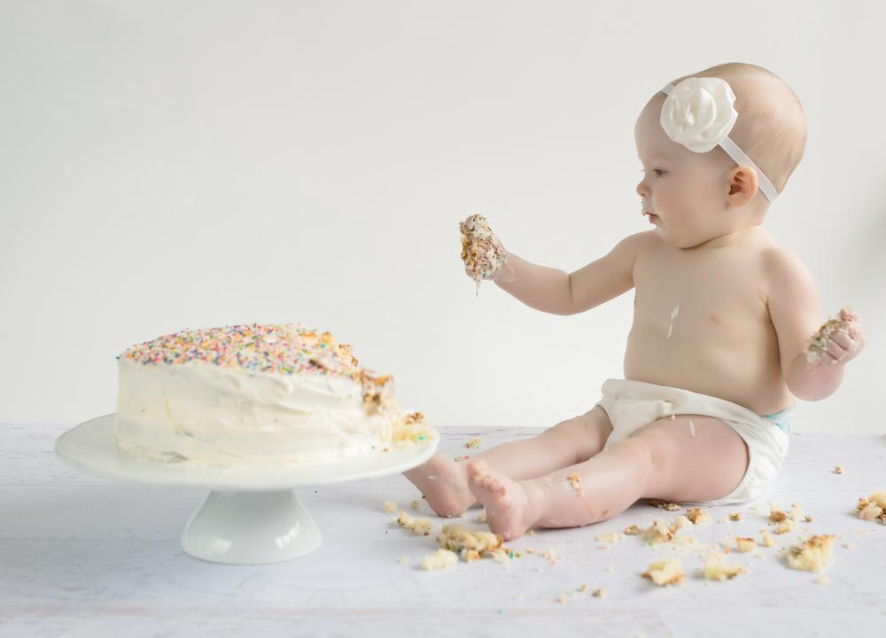 Avery Cake Smash 9.jpg