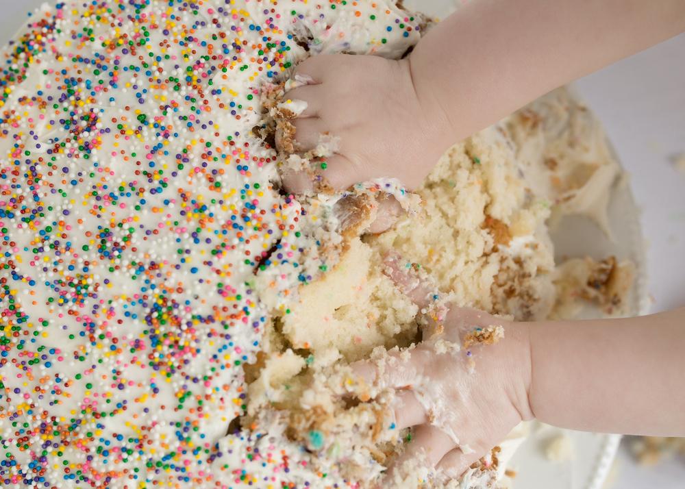 Avery Cake Smash 10.jpg