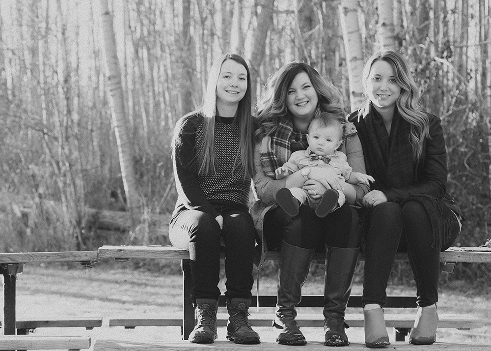 Stanbrook Sneak 6_Edmonton Family Photographer.jpg