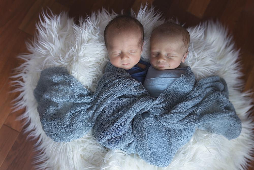 Ben and Joe Sneak 4_Edmonton Newborn Photographer.jpg