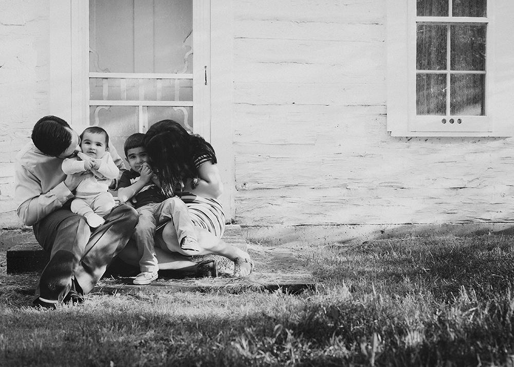 Finnie Sneak 4_Edmonton Family Photographer.jpg