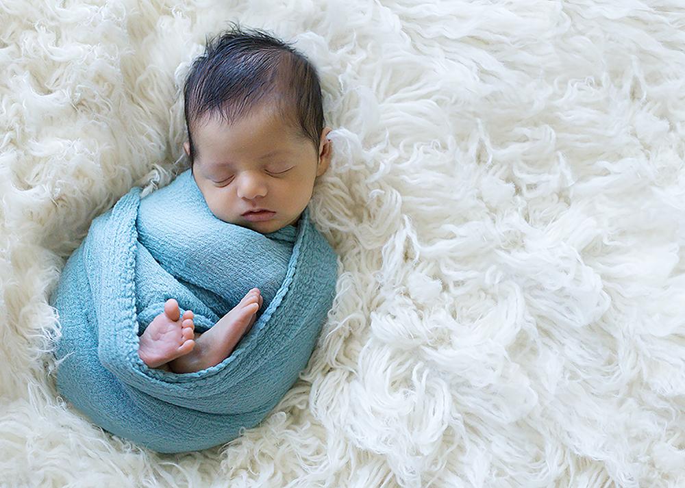 Baby Benjamin G Sneak 7_Edmonton Newborn Photographer.jpg