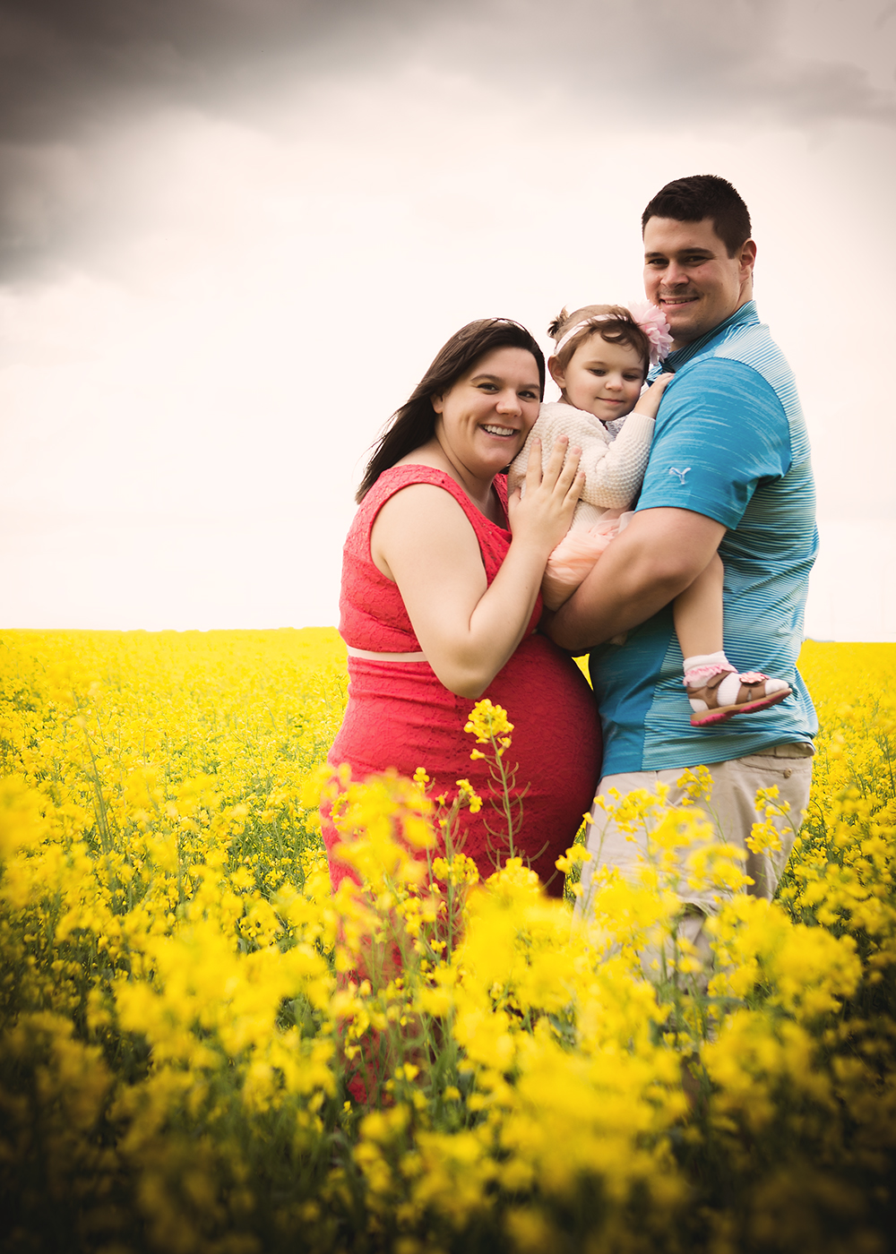 Kaitlyn Sneak 8_Edmonton Maternity Photographer.jpg