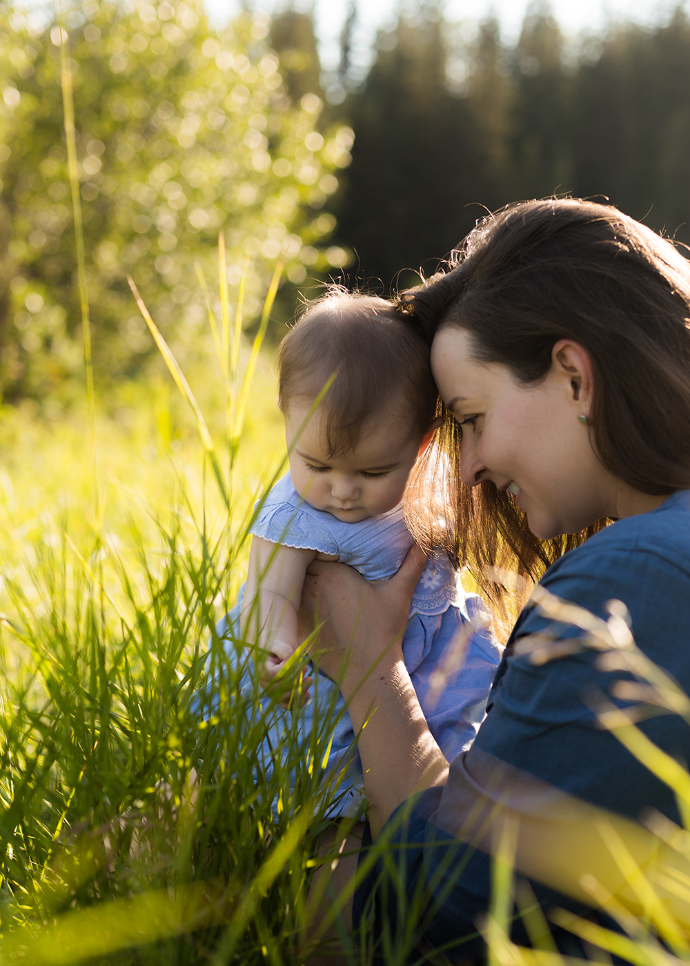 Greta and Mommy Sneak 7_Edmonton Family Photographer.jpg