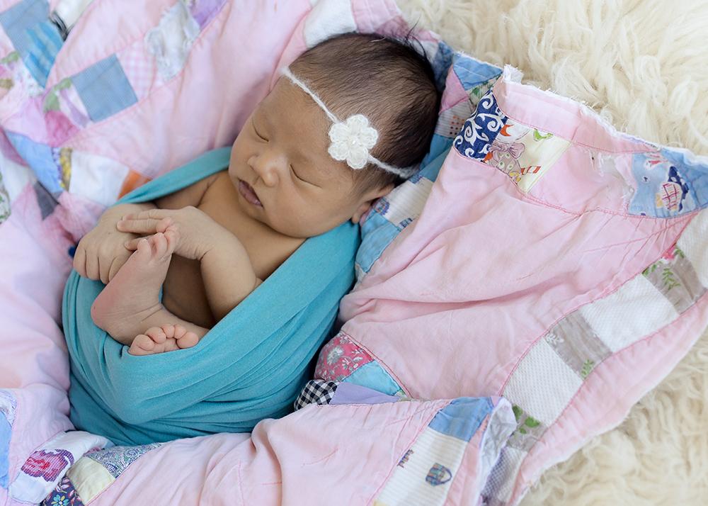 Baby Gabriella Sneak 4_Edmonton Newborn Photographer.jpg