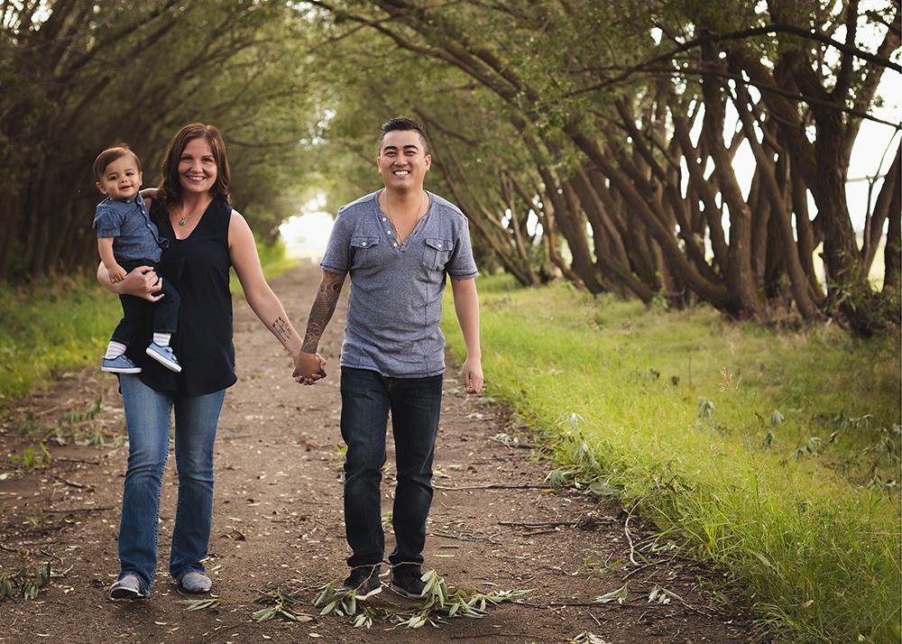 Nguyen Sneak 3_Edmonton Family Photographer.jpg
