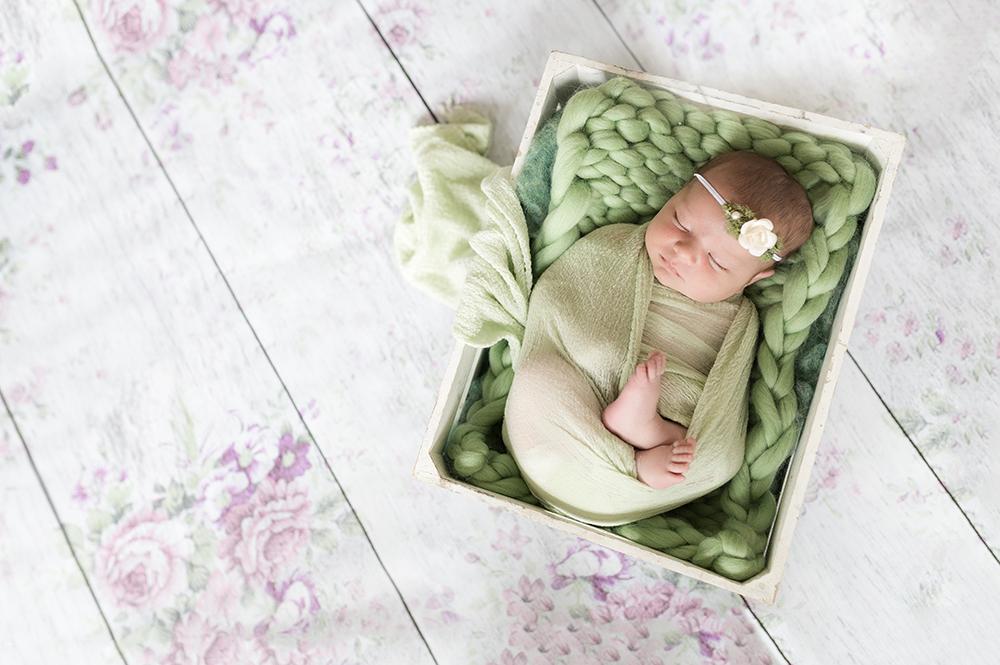 Baby Kira Sneak 9_Edmonton Newborn Photographer.jpg