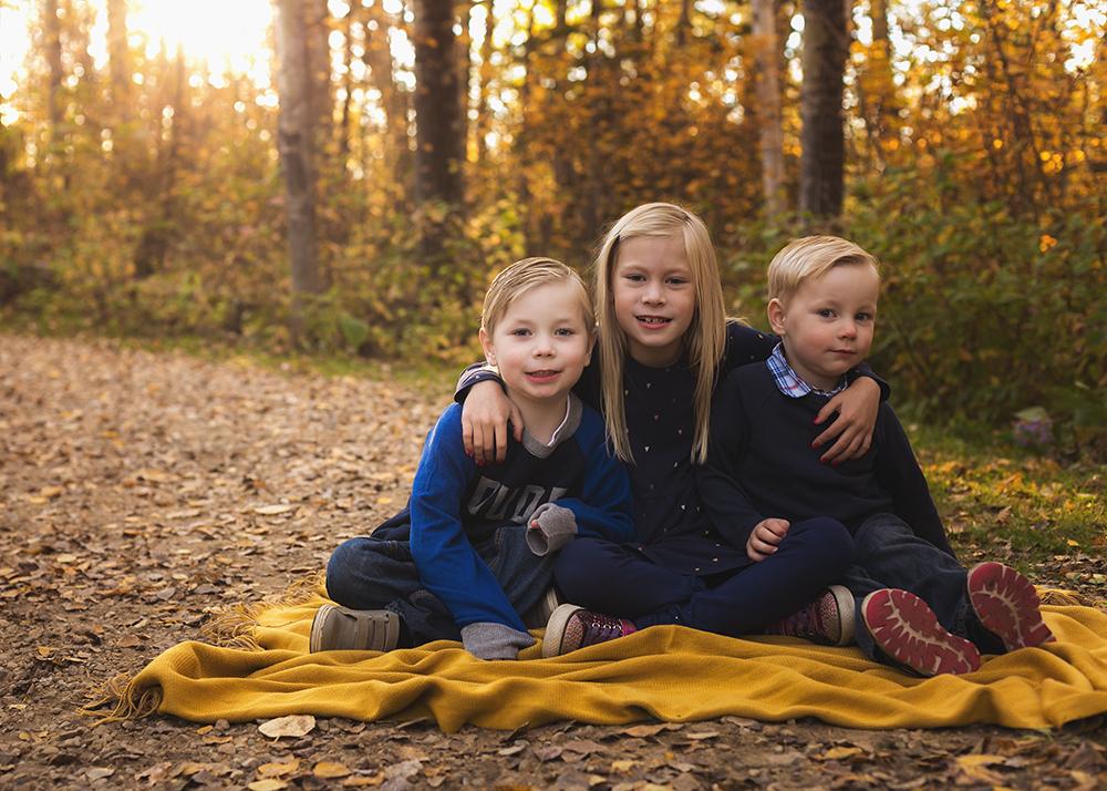 Labrenz Sneak 3_Edmonton Family Photographer.jpg