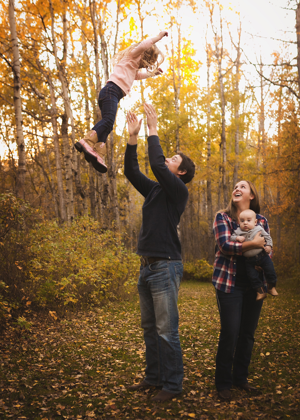 {E Family} Sneak 6_Edmonton Family Photographer.jpg
