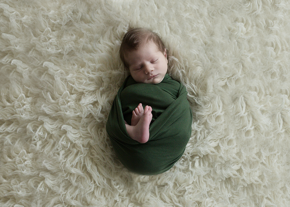 Edmonton Newborn Photographer_Baby Maverick Sneak 8.jpg