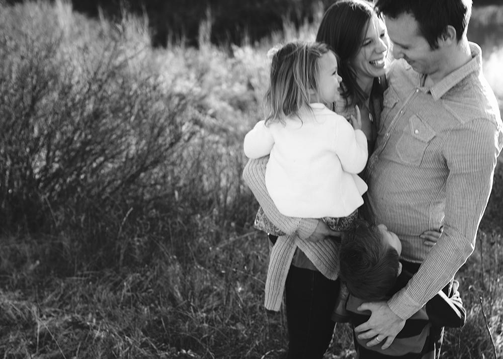 Edmonton Family Photographer_Blinzer Sneak Peek 5.jpg