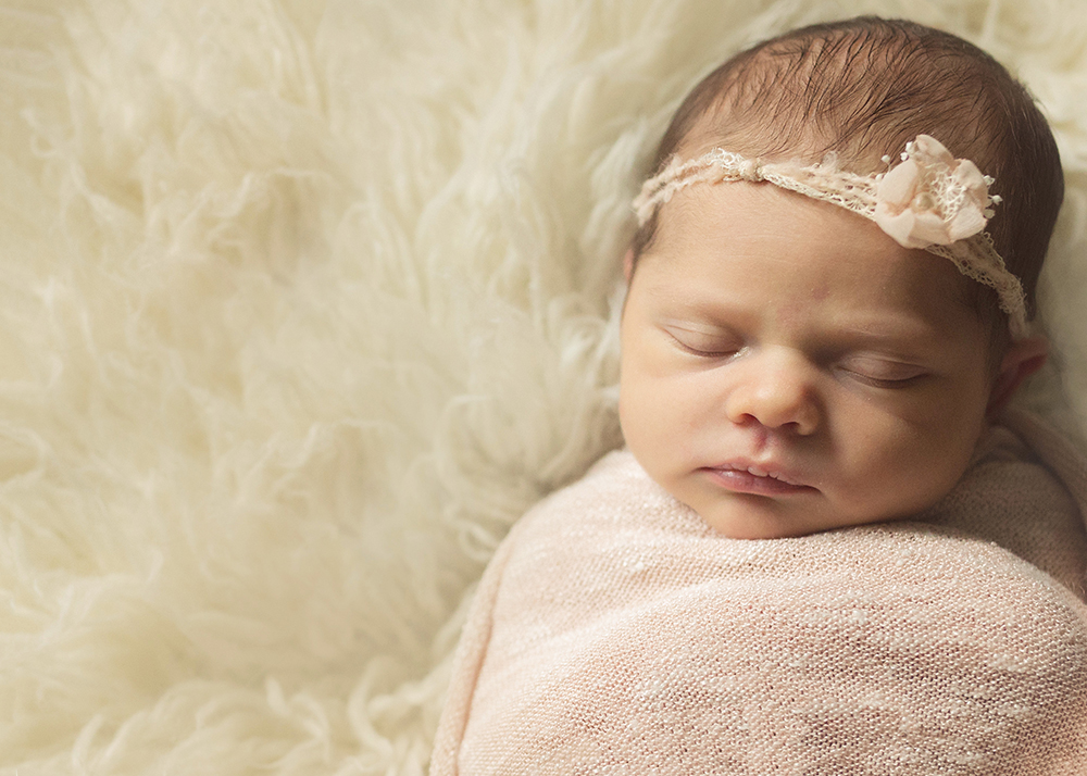Edmonton Newborn Photographer_Baby Adelynn8.jpg