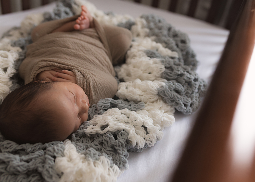 Edmonton Newborn Photographer_Baby Fernando Sneak Peek 6.jpg