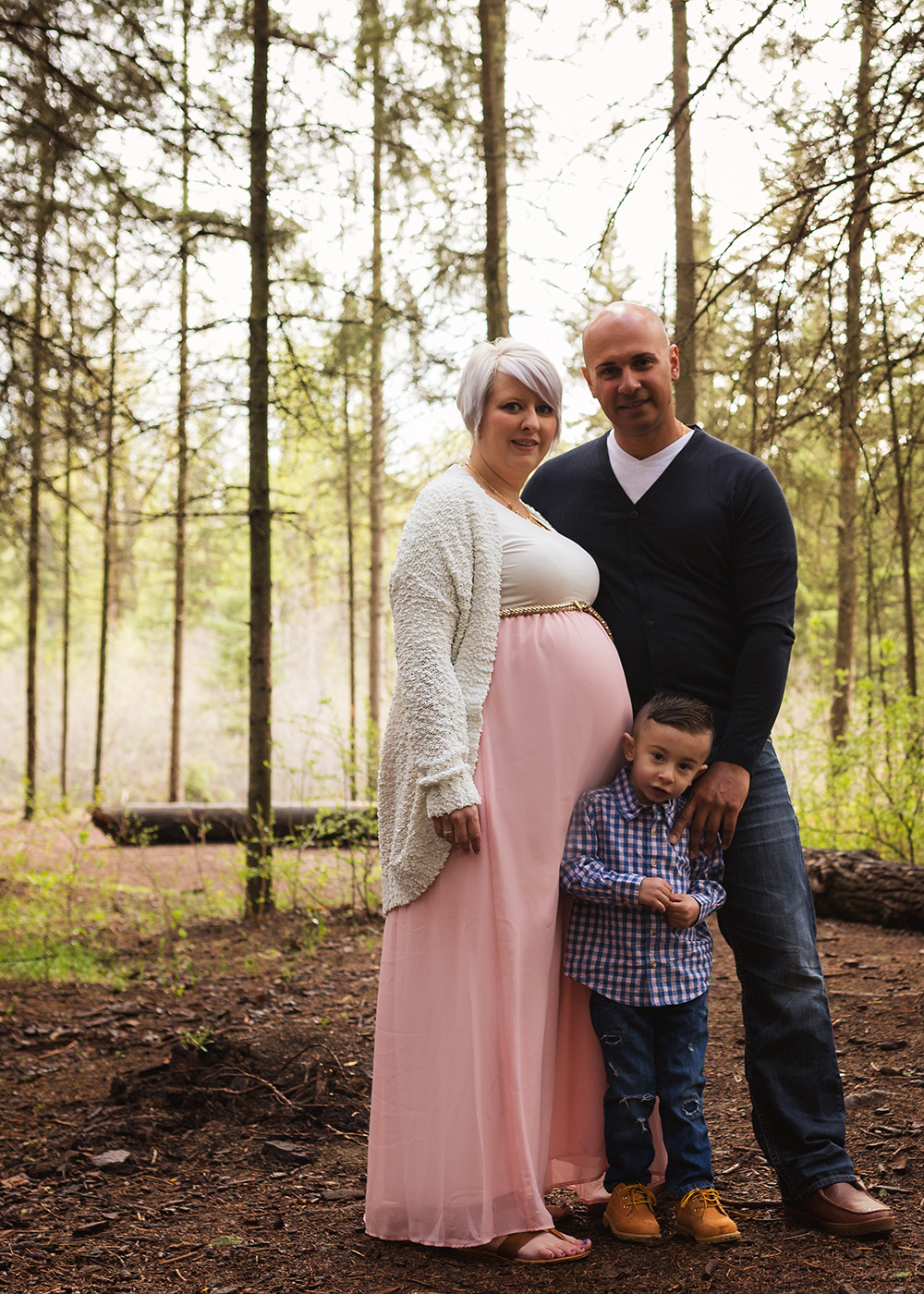 Edmonton Maternity Photographer_Chelsea Sneak Peek 3.jpg