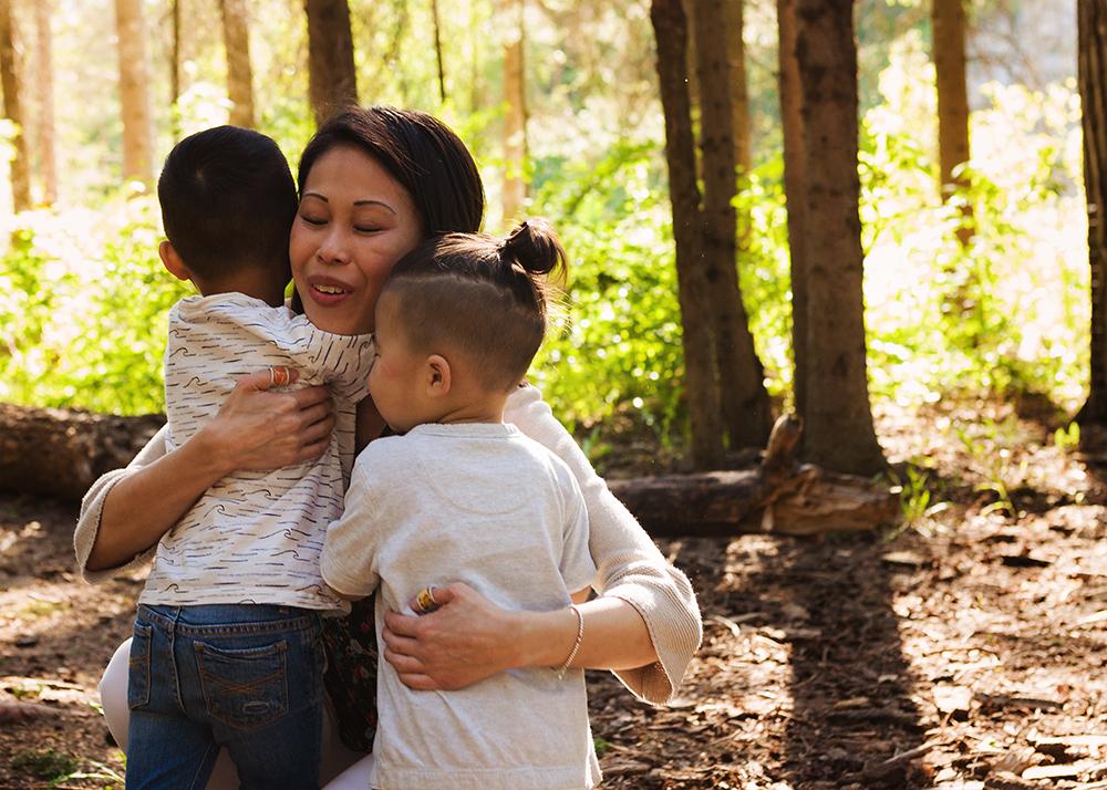 Edmonton Family Photographer_Bong Extended Family 4.jpg