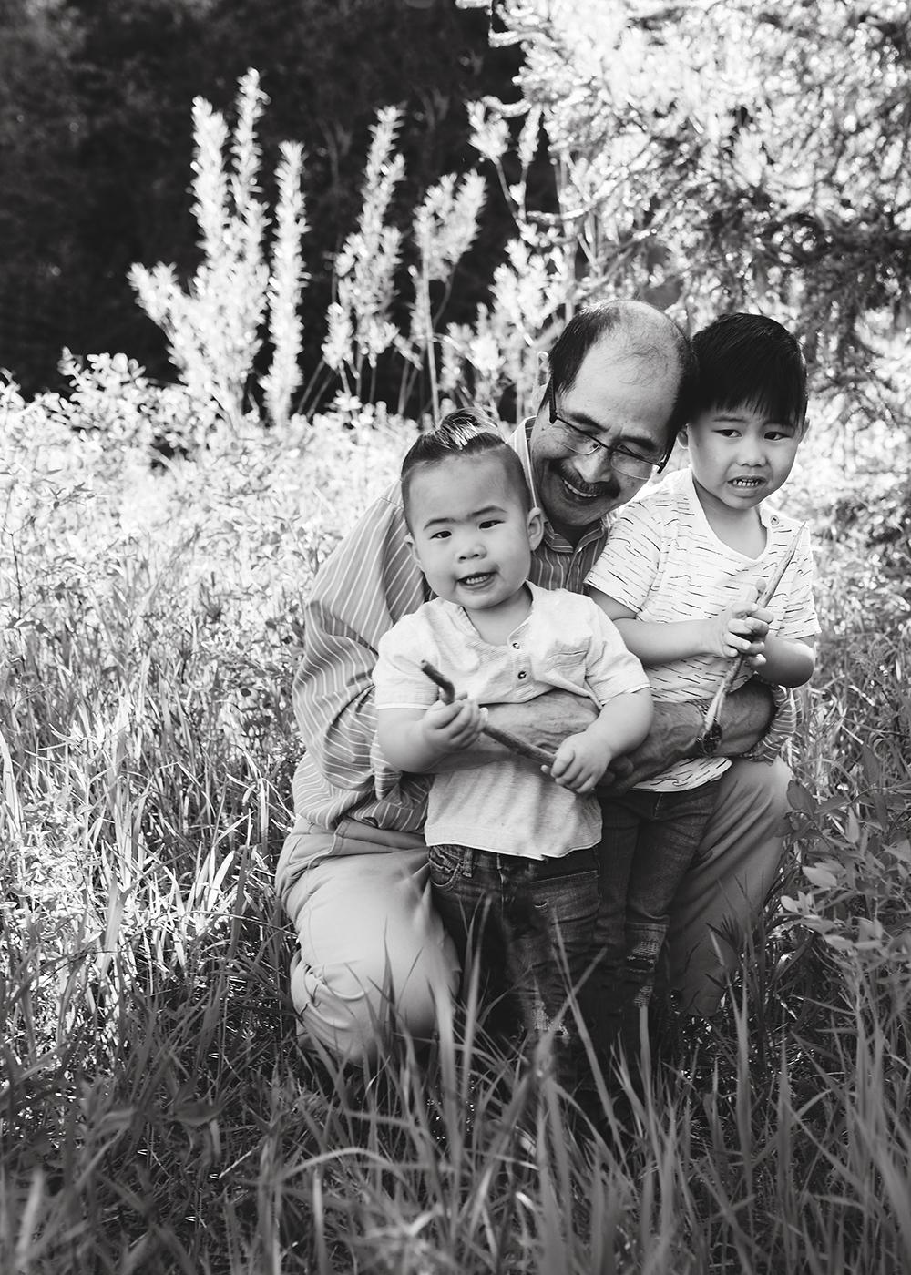Edmonton Family Photographer_Bong Extended Family 7.jpg