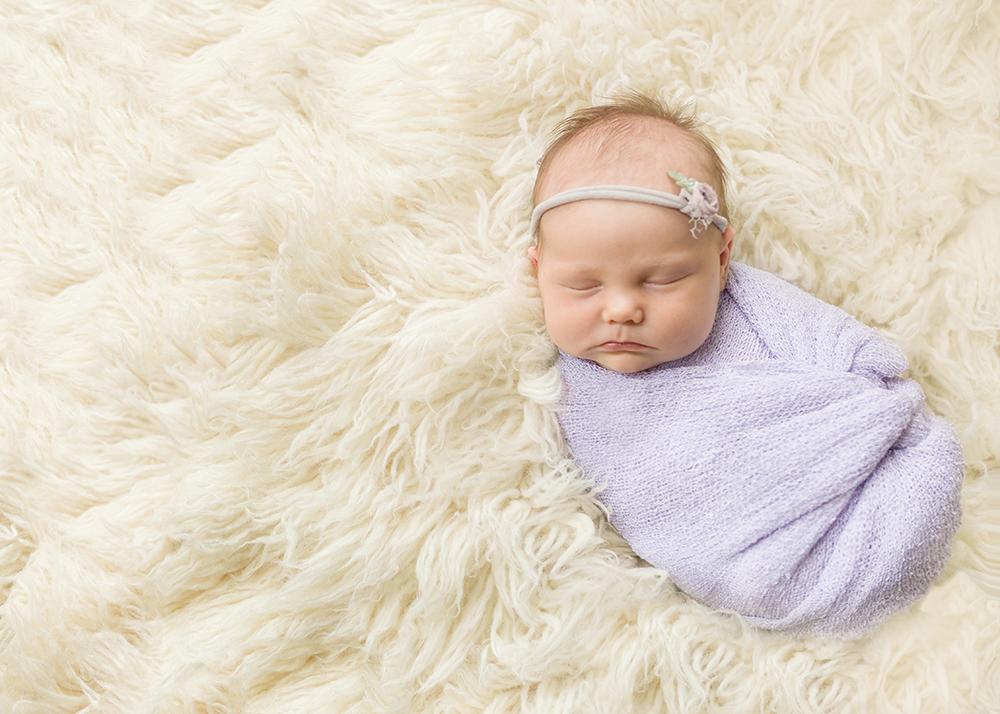 Edmonton Newborn Photographer_Baby Lauren Sneak Peek 1.jpg