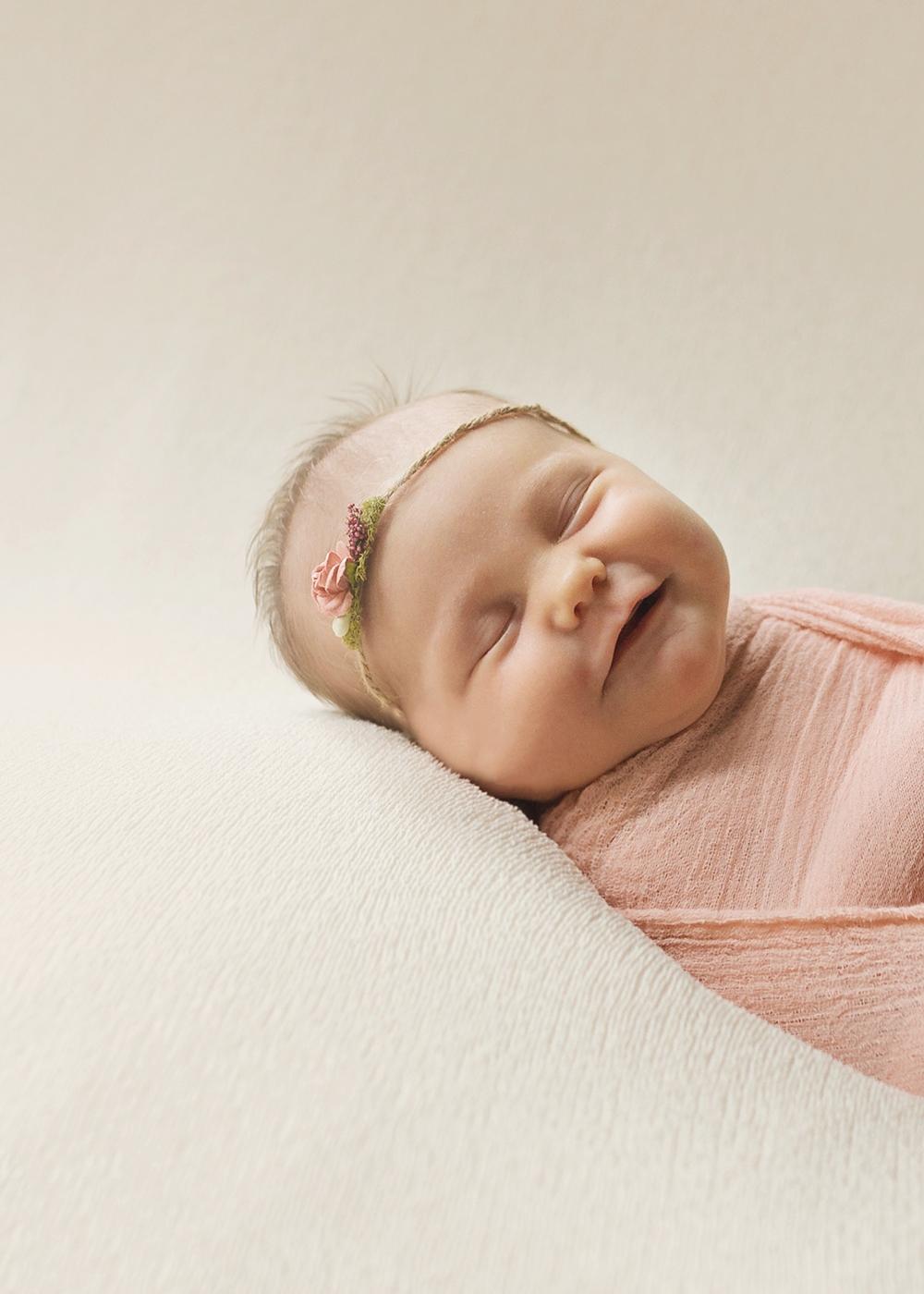 Edmonton Newborn Photographer_Baby Lauren Sneak Peek 8.jpg