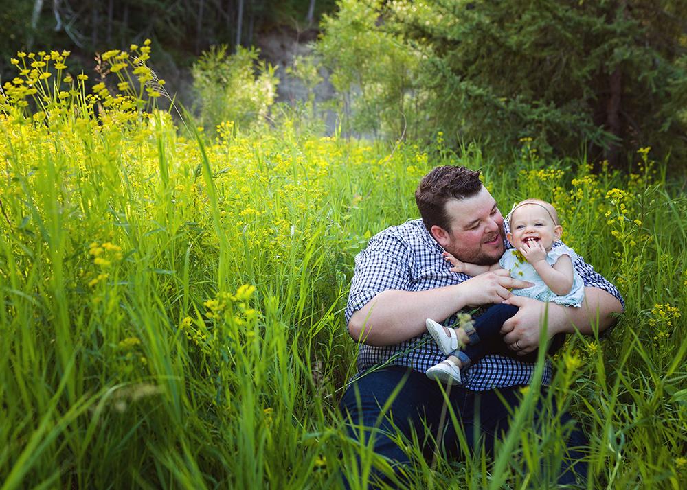 Edmonton Family Photographer_Stuart Family Sneak Peek 5.jpg