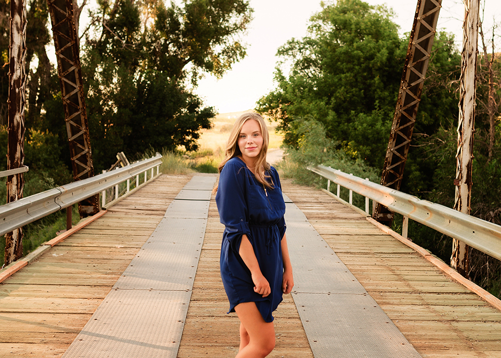 Edmonton senior photographer_Kelli Sneak Peek 4.jpg