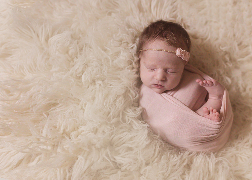 Edmonton Newborn Photographer_Baby Lyla Sneak Peek 6.jpg