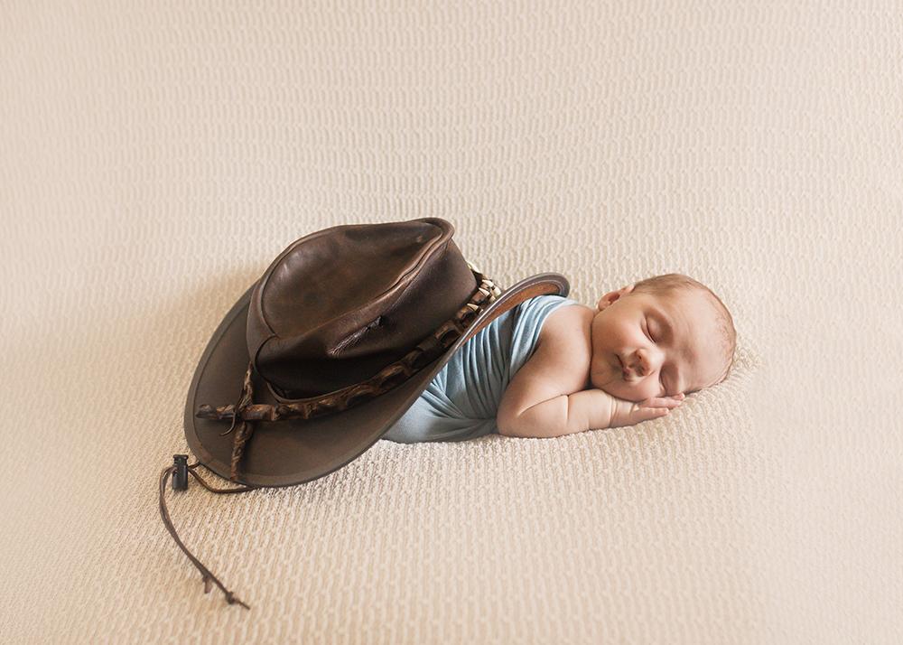 Edmonton Newborn Photographer_Baby Ryder Sneak Peek 3.jpg