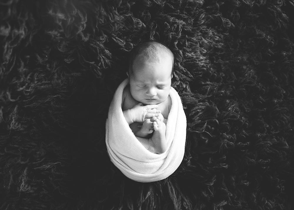 Edmonton Newborn Photographer_Baby Ryder Sneak Peek 8.jpg